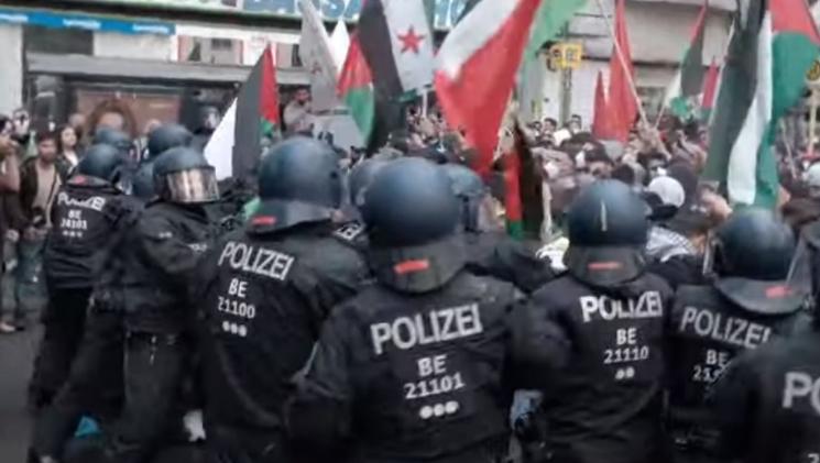 На пропалестинските демонстрации во Берлин уапсени биле 59 лица, 93 полицајци се повредени