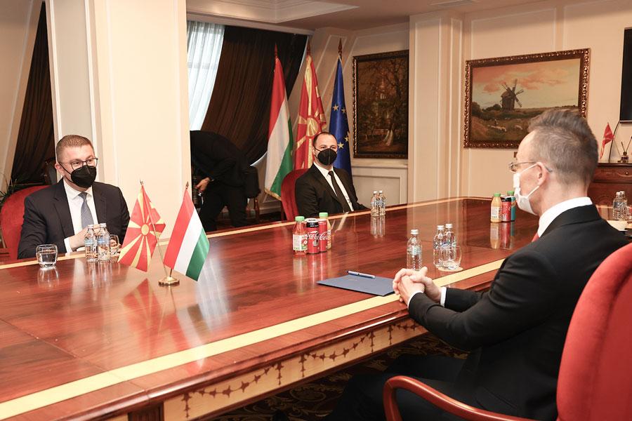 Средба Мицкоски – Сијарто, благодарност за поддршката од Унгарија кон Македонија