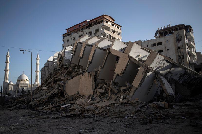 Насилствата од Газа се шират кон Западниот брег, Израел возвраќа на нападите од Газа