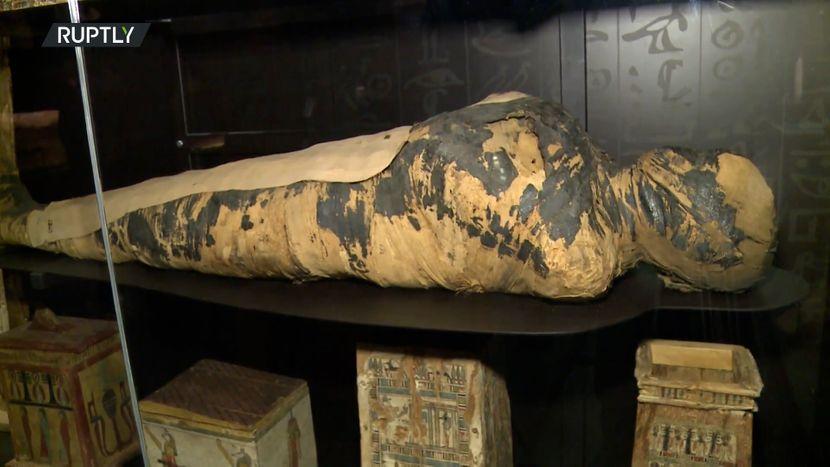 Тајната на бремената мумија: Мистерија за која цел свет веќе седум дена зборува (ФОТО)