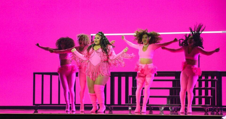 ВИДЕО: Фаворитот за победа на Евровизија падна на обложувалниците по првата проба