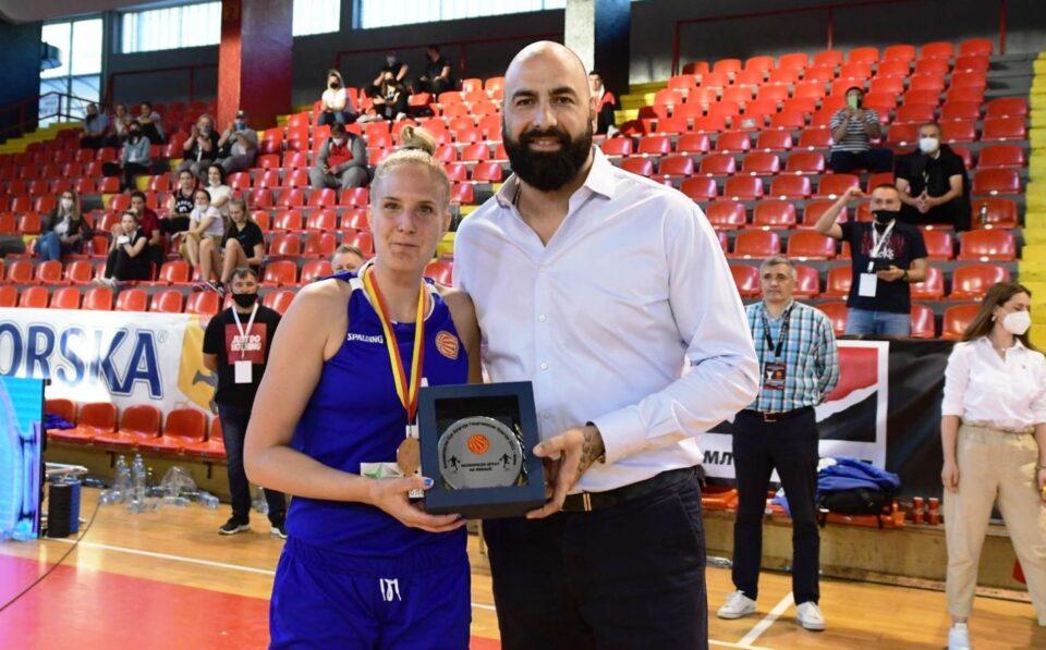 Драгана Гобељиќ МВП на финалето од женскиот кошаркарски Куп