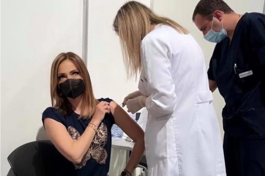 Советничката на Заев се вакцинира преку ред додека хронично болните чекаат термин