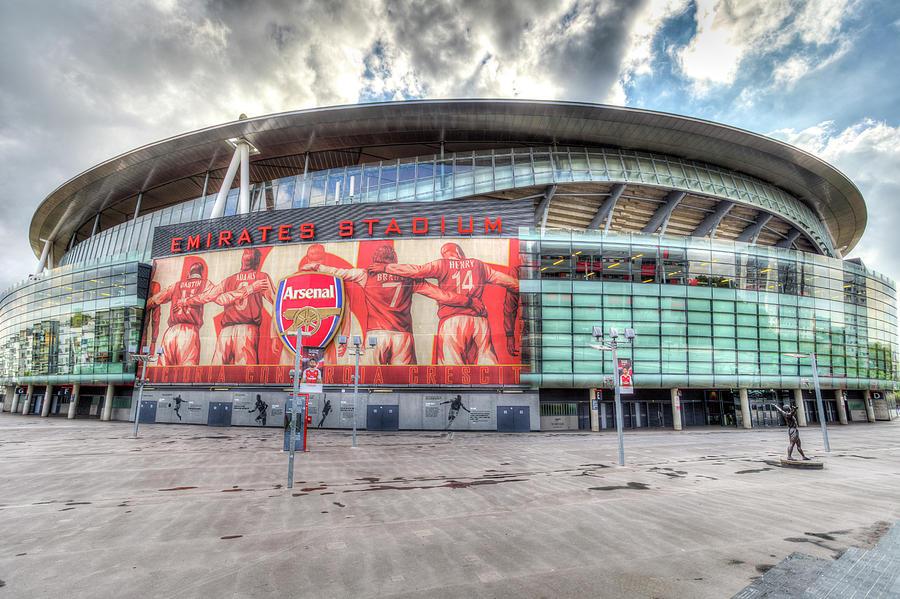 Шведски милијардер сака да го купи Арсенал