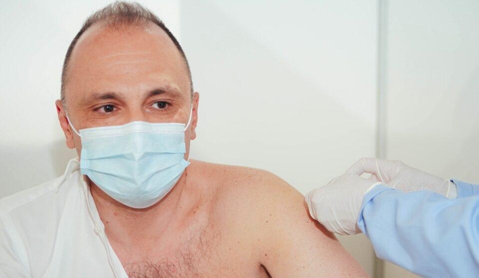 Филипче: Од средината на октомври ќе има мерка со која ќе може да функционираат само целосно вакцинирани граѓани