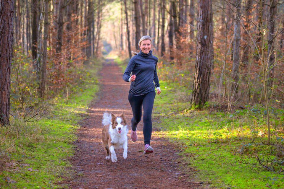 Луѓето кои вежбаат имаат повеќе антитела после вакцинирањето