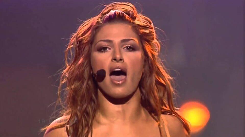 Беше една од најпосакуваните која победила на Евровизија на 23 години – лицето на Хелена Папаризу не старее, еве како изгледа денес (ФОТО)