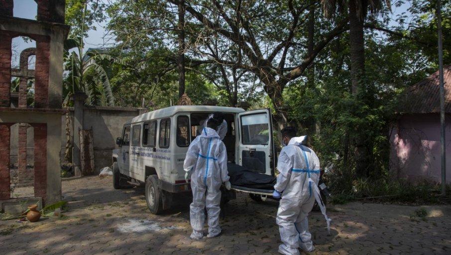 Индија: Намален, но се уште висок бројот на новозаболени од коронавирус