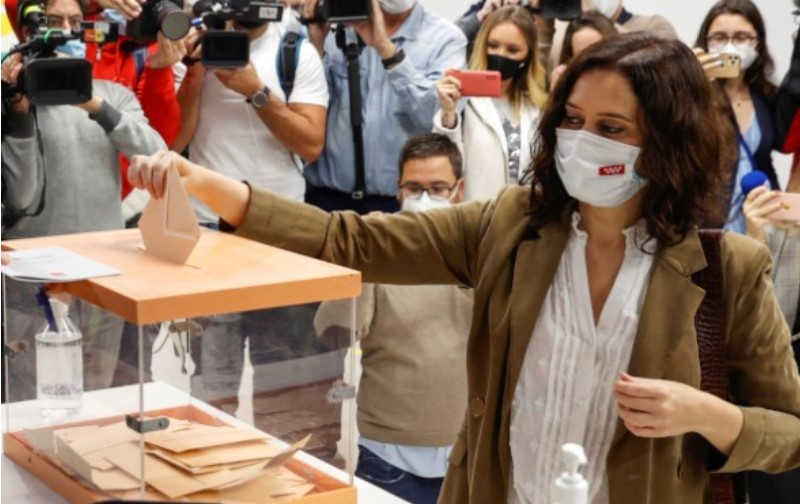 Изабела Дијаз Ајузо победи на изборите во Мадрид