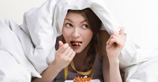 """Не е секоја храна """"забранета"""" пред спиење, дознајте што смеете да јадете"""