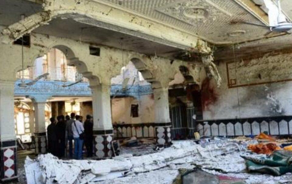 Најмалку 12 жртви во експлозија во џамија во Кабул