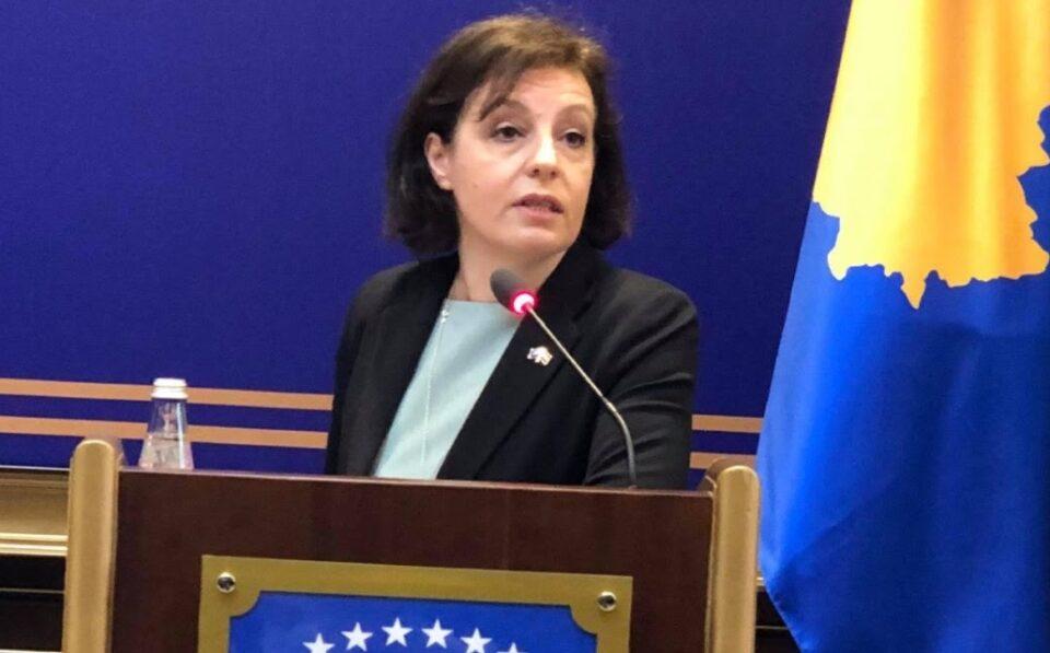 Косовската опозиција бара разрешување на министерката за надворешни работи