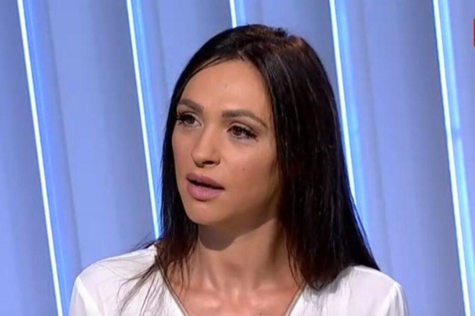 ФОТО: Познатата српска пејачка заврши во полиција