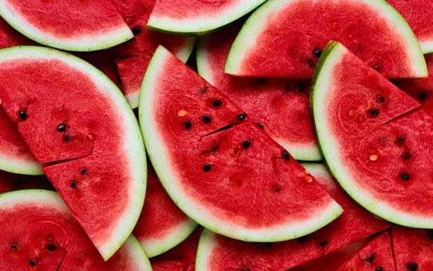 Не ја фрлајте кората од лубеницата: Дознајте колку е здрава и како може да ја искористите