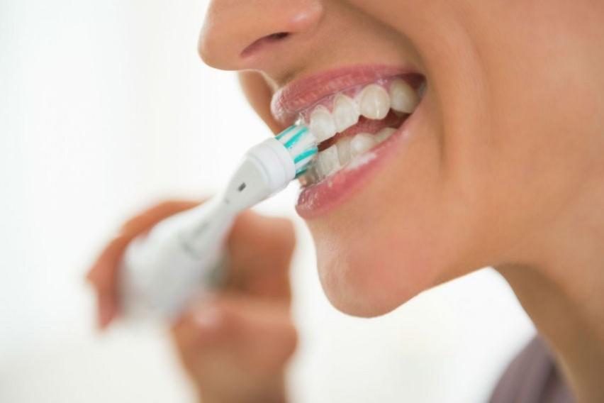 Сите знаете дека миењето на забите е важно, но дознајте какви болести ви се закануваат ако не го правите тоа