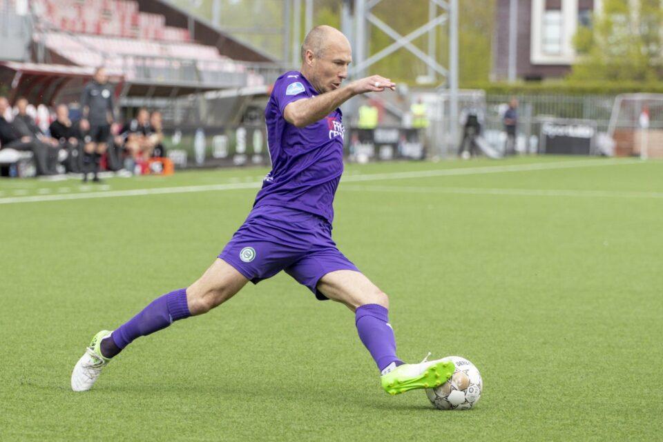 Робен има желба да настапи за Холандија на ЕП оваа лето