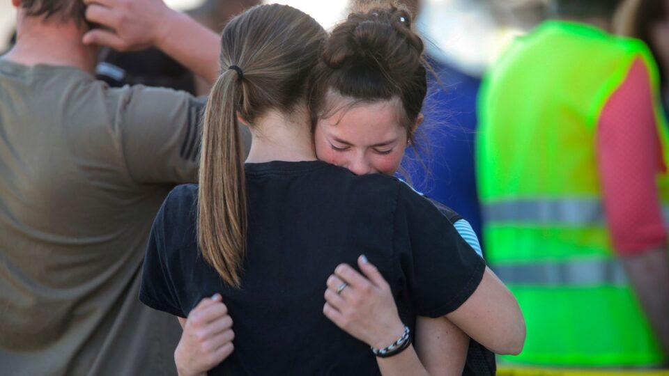 ТРАГЕДИЈА ВО САД: Ученичка од шесто одделение пукала во своето училиште – две деца се повредени, еве ги деталите (ФОТО+ВИДЕО)