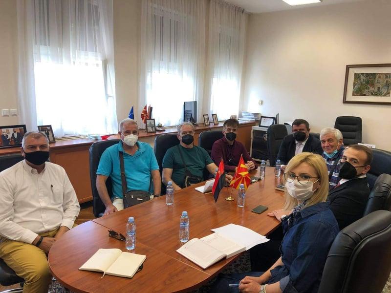Пензионирани лица на Армијата и претседателот на пензионерскиот синдикат при ККС на средба со Мицевски и Стојаноски: Власта нема слух за нашите барања