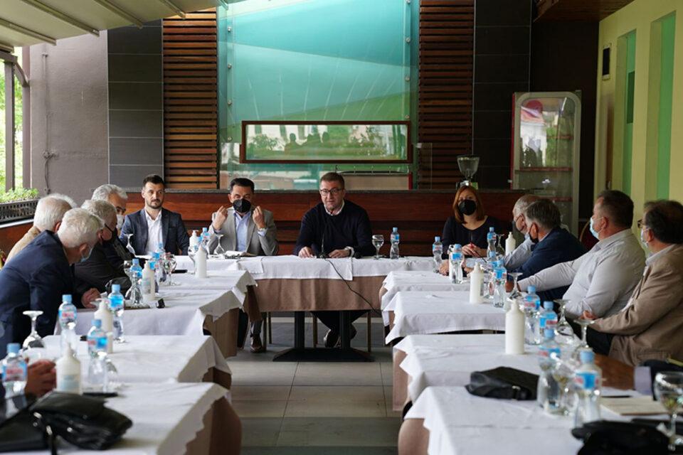 Мицкоски: Македонија нема придобивки од посетите на Заев, бидејќи ЕУ не ги заборава корупцијата и криминалите на функционерите од власта
