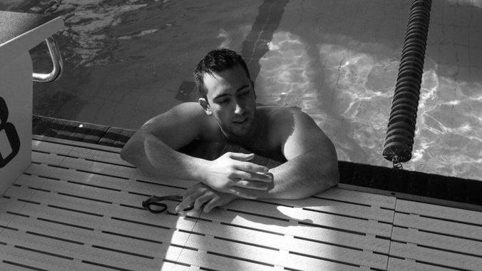 ТАЖНА ВЕСТ: Ненадејно на само 30 години почина пливачот Стефан Андоновиќ
