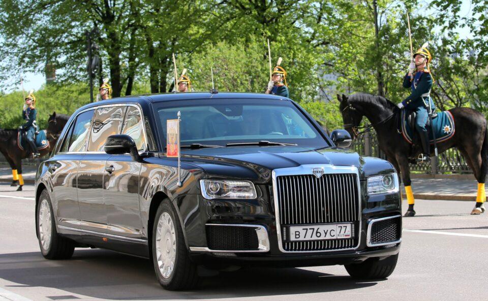 Од цената на автомобилот на Путин ќе ви се заврти во умот – особено откако ќе прочитате колку забрзува за само шест секунди (ВИДЕО)