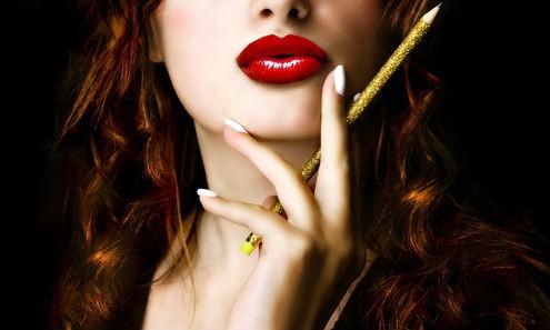 БЕЗ ШЕГА: Убавите жени се опасни по здравјето