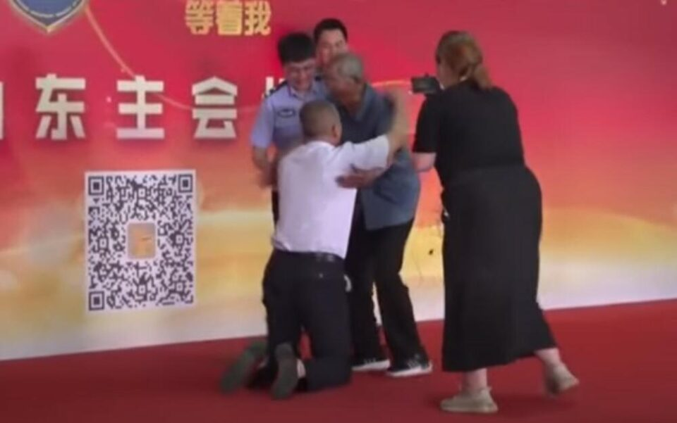 Татко си го нашол синот после 58 години! Бил киднапиран кога имал 2 години (видео)