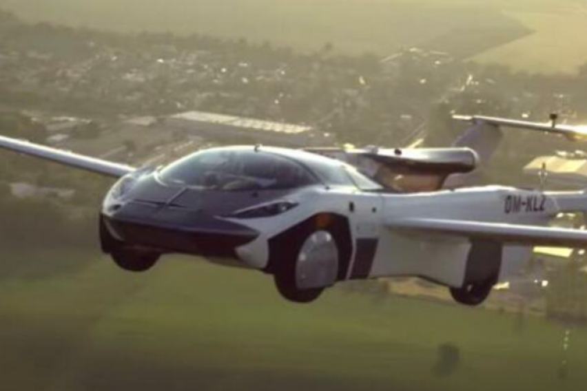 Не е научна фантастика: Полетал автомобилот кој за 2 минути се трансформира во авион