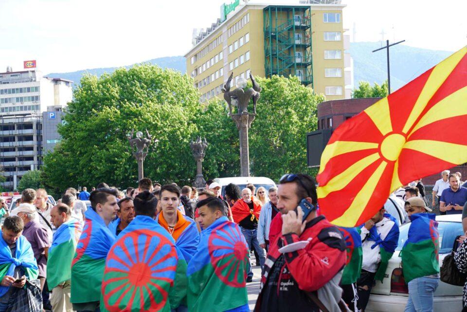 Петти ден по ред блокади: Да се спречи националниот срам кој и се подготвува на Македонија од страна на Заев и неговите соработници