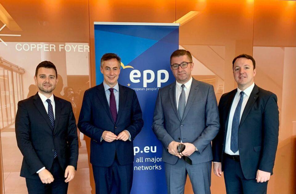 Мицкоски на средби со Мекалистер, Рангел и Шидер: Не постои друга вистинска алтернатива за Македонија освен членство на државата во ЕУ