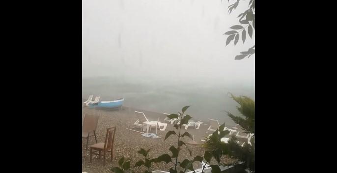 ГОЛЕМО НЕВРЕМЕ ВО ОХРИД – силни врнежи од дожд го зафатија овој дел од земјата (ВИДЕО)
