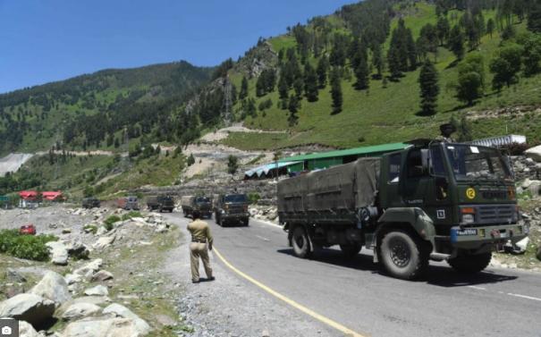 Индија префлила 50.000 војници долж границата со Кина