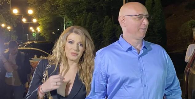 Српската пејачка Вики започна нов бизнис кој и донесе многу пари, но и ги издаде колегите: Тие не ми бараат попуст, плаќаат само во ќеш