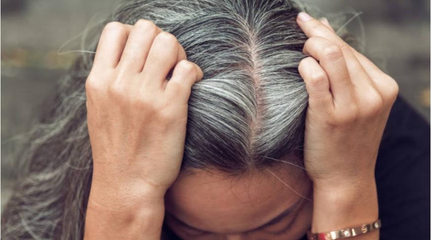Белите влакна не доаѓаат поради стареење, причината е друга и треба да ја знаете