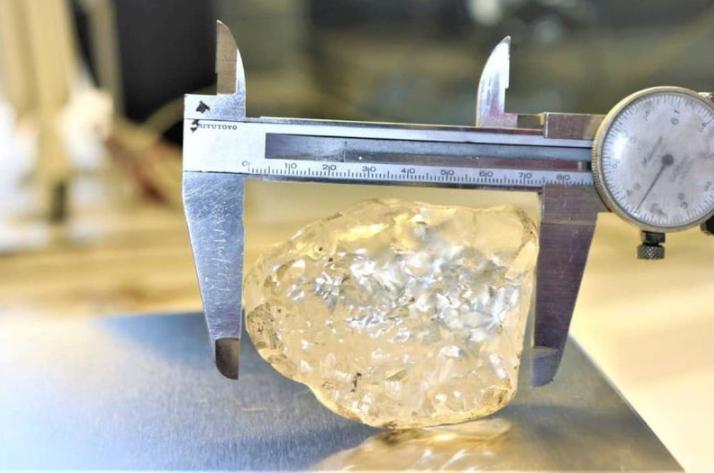 ФОТО: Ископан третиот најголем дијамант во светот
