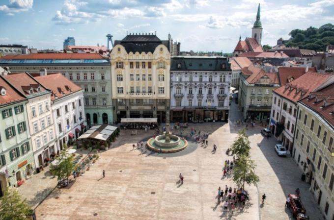 Македонија отвора амбасада во Братислава