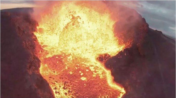 ВИДЕО: Дрон влета во лавата на вулкан на Исланд, снимена ерупцијата одблизу