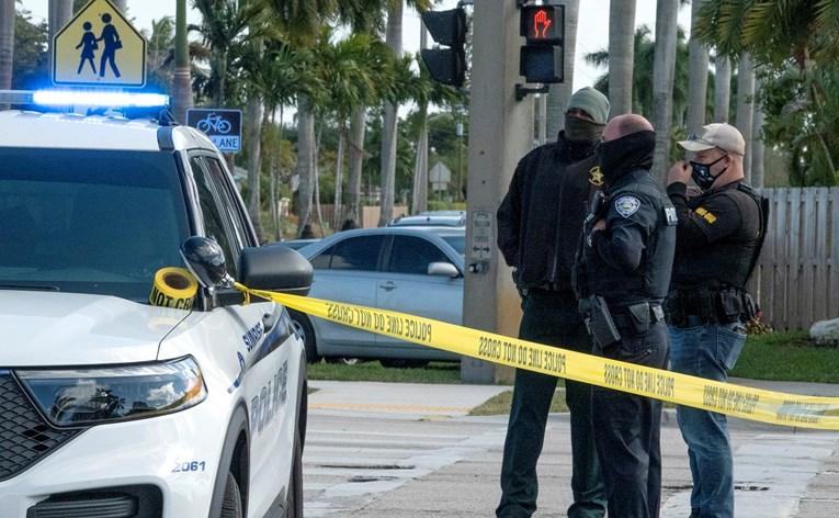 Престрелка во маркет на Флорида: Една од жртвите е дете