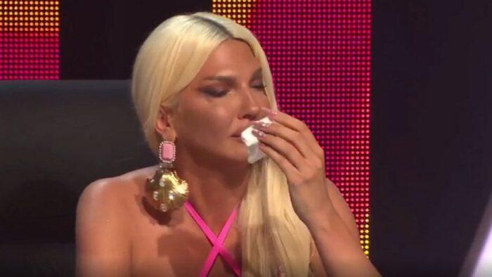 """Јелена Карлеуша ронеше солзи во """"Ѕвездите на Гранд"""""""