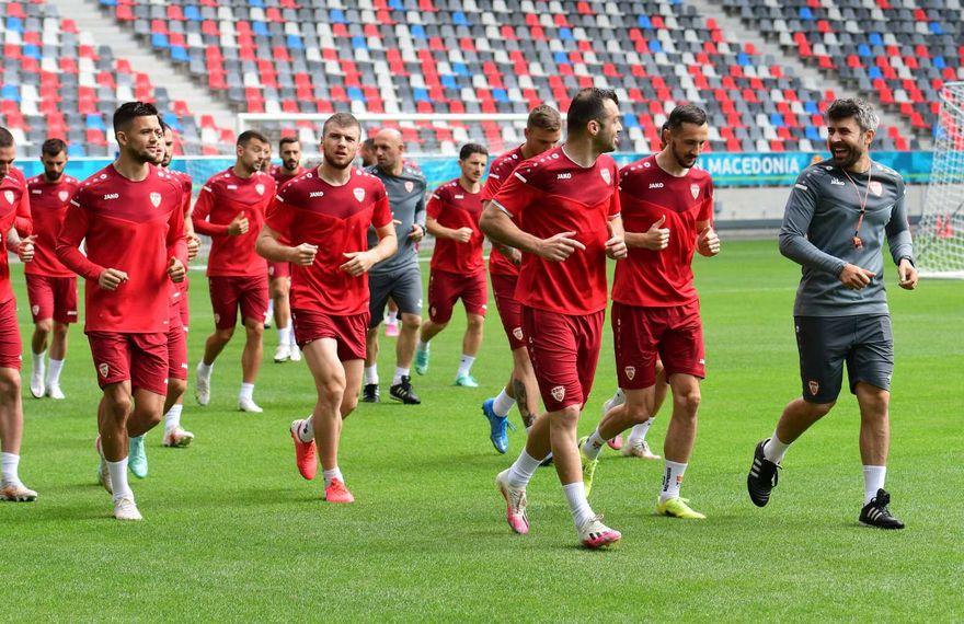 Фудбалерите стартуваа со подготовки во пресрет на мечот со Украина (ФОТОГАЛЕРИЈА)