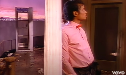 """Нов успех за мега хитот на Мајкл Џексон, над милијарда прегледи за """"Billie Jean"""""""