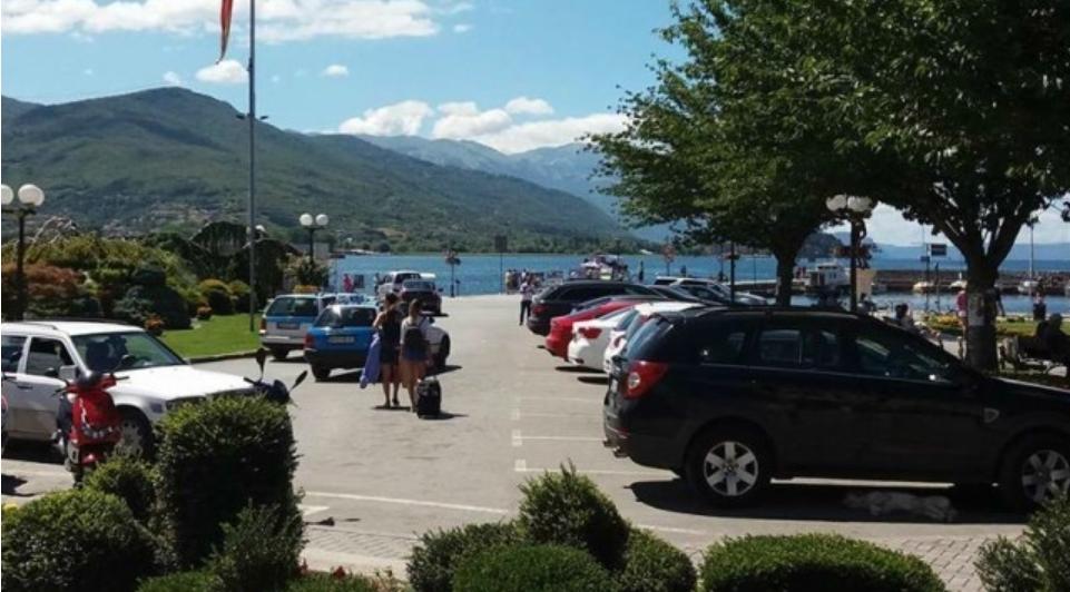Поскапо паркирање во Охрид: Во центарот ќе плаќате 100 денари за час