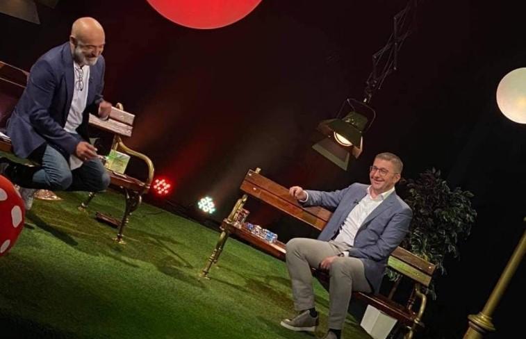 """Мицкоски во едно поинакво издание: Лидерот на ВМРО-ДПМНЕ вечерва гостин во """"Опуштено"""""""