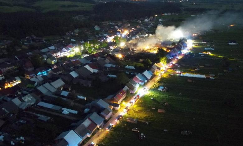 Голем пожар во Полска, повредени девет лица и уништени десетици куќи