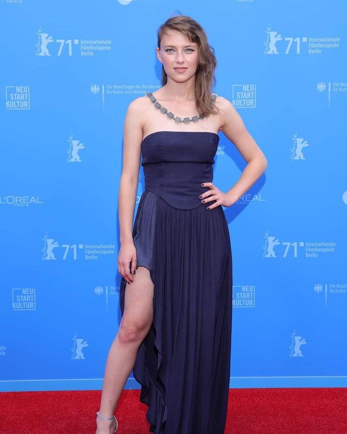 """Охриѓанката Сара Климоска во Берлин ја прими наградата """"Европски актер во подем"""""""