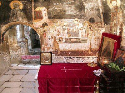 На почетокот на новиот месец ни доаѓа голем и тежок празник – на овој ден посетете го овој манастир и напијте се од оваа света вода!