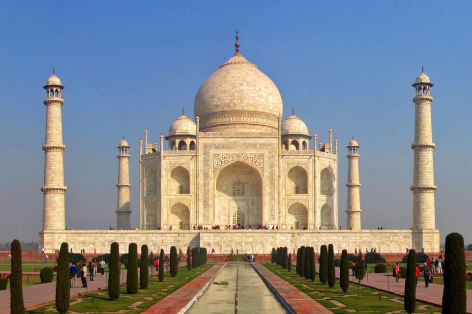 Отворен за посетители индискиот споменик на љубовта