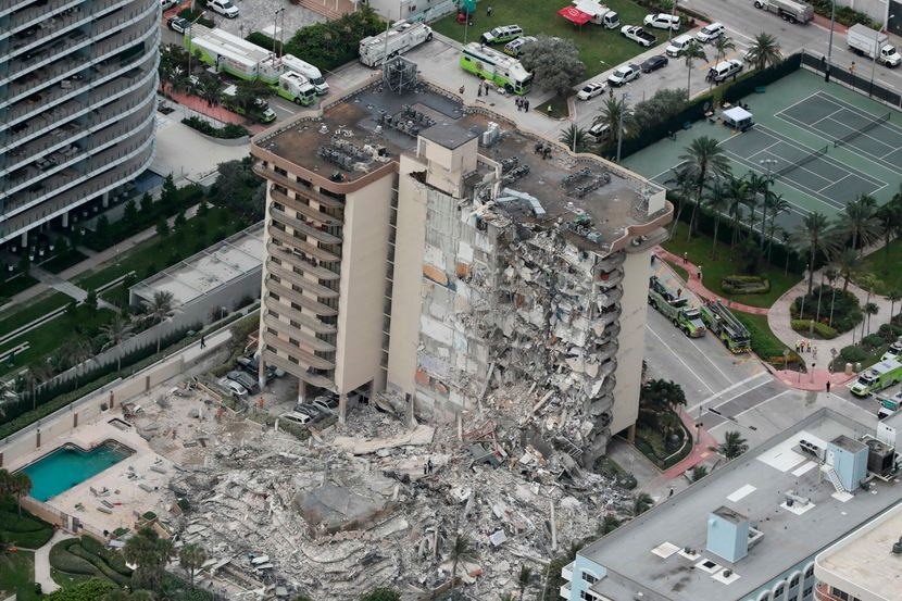 Расте бројот на жртви во Мајами: 12 тела пронајдени во рушевините од урнатата зграда, 149 исчезнати
