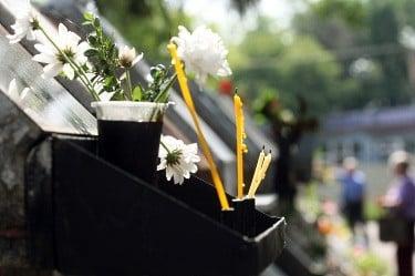 Денеска и утре е Задушница – во чест на душите на мртвите, доколку не можете да отидете на гробишта направете го ова!