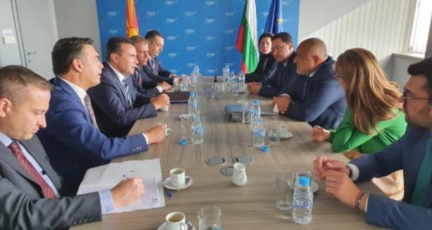 Заев се сретна со Борисов во Софија